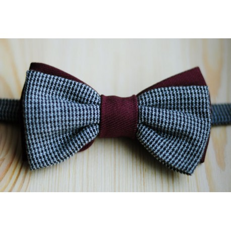 Wonderful handmade pre-tied double bow tie