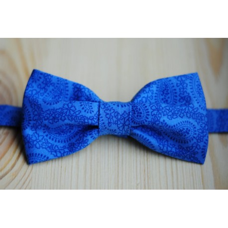 Blue with patterns pre-tied bow tie